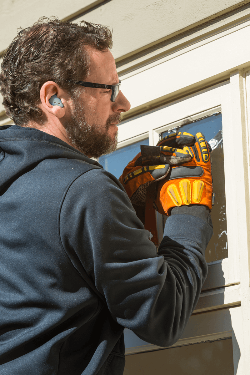 Repairing & Replacing Foggy Windows in Ladner